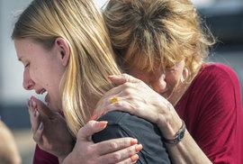 Střelba na škole v Texasu: Útočil student, zabil nejméně osm osob