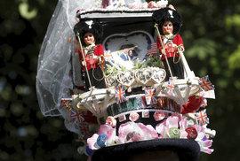Británie slaví svatbu prince Harryho a Meghan Markle.