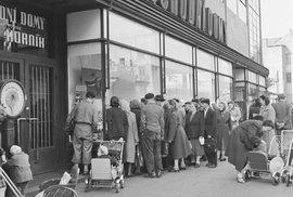 Měnová reforma 1953: Jak komunisté zlikvidovali vyšší střední třídu, živnostníky i …