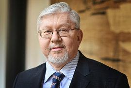 O zvolení do Senátu usiluje v Praze i profesor Univerzity Karlovy Aleš Gerloch