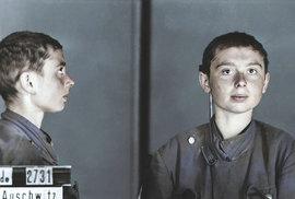 Kolorované snímky, které mají připomenout oběti holocaustu