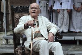 88. narozeniny oslavil režisér na zámku Horšovský Týn v historickém centru města stejnojmenného města v okrese Domažlice.