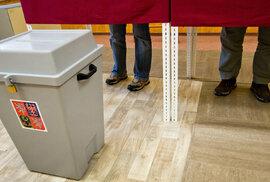 Jak se volí do Senátu: Nekroužkujte, vyberte jen jednoho kandidáta. Volby ale může…