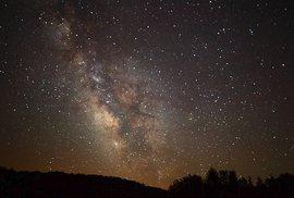 Poslala nám rádiové vlny ze vzdálené galaxie jiná civilizace?