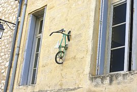 Tvorba umělce s přezdívkou Monsieur BMX - umění nebo kýč?