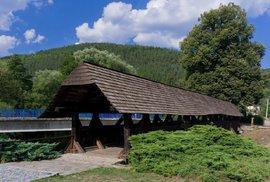 Historický přechod přes Svratku: Krytá lávka v Černvíru stojí již 300 let