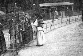 Evropská ostuda: Lidské zoo, kde byli černoši a indiáni chováni jako zvěř. Podívejte se