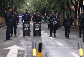 Skutečný policejní stát zavírá muslimy po tisících. K zatčení stačí plnovous