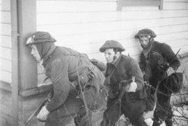 Commandos. Legendární oddíl britské armády, v němž bojovali i Češi. Pracovali tiše a rychle