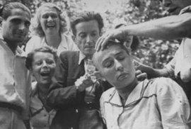 Ostříhat dohola! Šokující snímky žen, které dav trestal za kolaboraci s nacisty, podívejte se