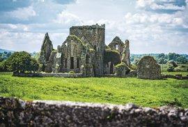 Útulné hospůdky, přátelští lidé a stovky památek rozesetých v malebné krajině. To je Irsko