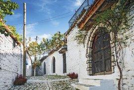 Starý Berat má kouzelné úzké uličky