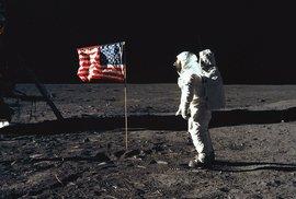 Američané se vrátí na Měsíc a zůstanou tam déle, následovat je mají Rusové