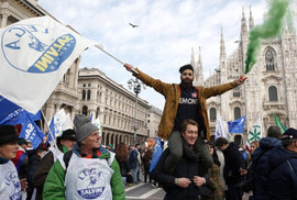 Itálií se šíří rasistická vlna. Salvini viní migranty, nejvíce násilí ale páchají jeho příznivci