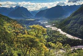 Pohled doúdolí řeky Soče