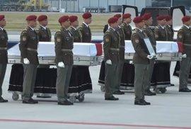 """""""Padli proto, aby další mohli žít."""" Čeští vojáci se vrátili do vlasti, prezident je…"""