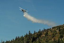 Hasiči dostali pod kontrolu požár lesa na Ještědu
