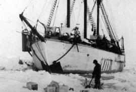 Polární loď Maud během své objevitelské plavby