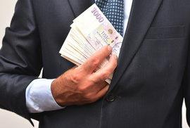 Češi mají rekordní mzdy. Průměrná výplata je skoro 32 tisíc korun, polovina lidí bere přes 27 tisíc