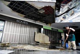 Zemětřesení na severu Japonska si vyžádalo přes 120 zraněných