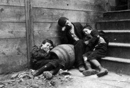 Špína, hlad a beznaděj: Imigranti v New Yorku živořili v těch nejhorších podmínkách,…
