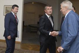 Babiš s Hamáčkem požádali o společnou schůzku prezidenta Zemana, Hrad zatím neodpověděl
