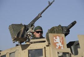 Útok na české vojáky: 5 zraněných, jeden těžce. Víte, jak dlouho jsou Češi v Afghánistánu a kolik jich tam je?