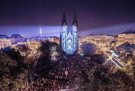 Signal festival v noci opět rozzáří Prahu. Upozorní na stádnost a ukáže nadějné české umělce