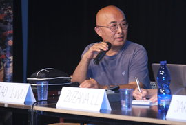 """Čínský spisovatel Liao I-wu: """"Zeman je člověk velmi hloupý, bez kulturního rozhledu,…"""