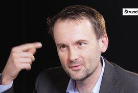 Psycholog: Nenávist pražské kavárny je nechutná, Zemana by zkritizovali i za přijetí sirotků