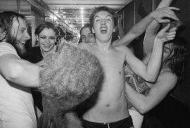 Divoká punková jízda: Jak vypadalo zákulisí prvního turné Sex Pistols a The Clash