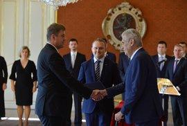 Prezident Zeman jmenoval nového ministra zahraničí Babišovy vlády. Kdo je Tomáš …