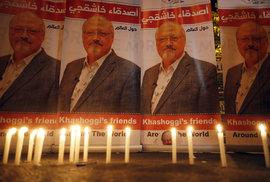 Lidé po celém světě demonstrují - požadují spravedlnost pro zavražděného novináře Džamála Chášukdžího.
