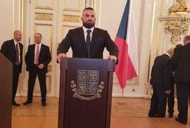"""""""Vážení spoluobčané!"""" Takhle by vypadal Karlos Vémola coby prezident."""