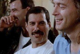 Freddie Mercury žil nespoutaný život.