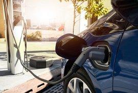 Eletromobily jsou hračka pro bohaté, ne ekologické řešení. Jejich konstruktéři to…