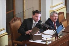 Kvůli večírku ve Sněmovně vyzývá opozice šéfa Sněmovny Vondráčka z ANO k rezignaci