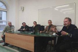 Generál Alojz Lorenc na akademické půdě: Fakulta sociálních věd Univerzity Karlovy (23. 11. 2018)