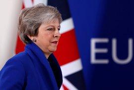 Theresa Mayová. Premiérka a lídryně Konzervativní strany před referendem o odchodu z EU byla proti brexitu. Teď je v těžké situaci, vede stranu, kde jsou zastánci i odpůrci brexitu. Velká část vlastní strany také halsovala proti jí vyjednané dohodě s EU.