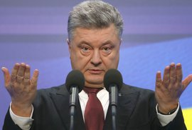 Petr Porošenko, ukrajinský prezident, navrhne parlamentu vyhlášení stanného práva