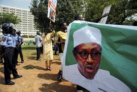 Nigerijský prezident Buhari popřel konspirační teorie o tom, že ho nahradil súdánský dvojník, (2.12.2018).