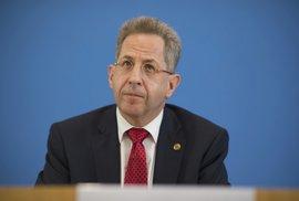 Štvanici na cizince v německém Chemnitzu si vymysleli politici, říká odvolaný šéf kontrarozvědky