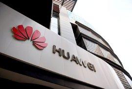 Úřad pro bezpečnost varuje před softwarem i hardwarem od Huawei. Mohou prý představovat hrozbu