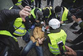 Paříž zachvátily protesty žlutých vest (8.12.2018)
