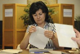 Jak se stát členem volební komise a jaká je za práci volebního komisaře odměna