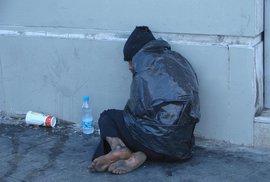 Britský hotel zrušil rezervaci bezdomovcům. Lidé se jim složili na štědrovečerní nocleh