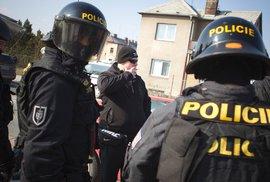 Policie zasahuje ve státním podniku DIAMO, důvody nesdělila. Podnik mimo jiné posuzoval ložiska lithia