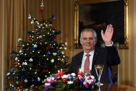 Politici by měli dát lidem pokoj alespoň o svátcích. Opak je pravdou, projev střídá projev