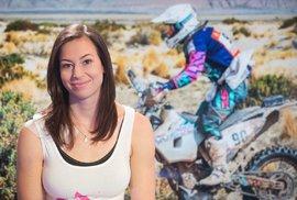 Gabriela Novotná při přípravě na svůj druhý Dakar