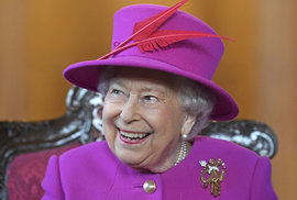 InstaQueen. Britská královna začala v 92 letech používat Instagram. Podívejte se na…